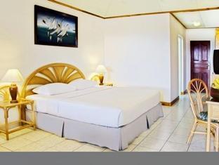 sun island resort maldives - standard beach bungalows