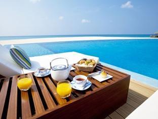 velassaru maldives resort - poolside