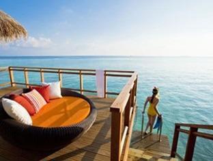 velassaru maldives resort - water villa private acessto sea