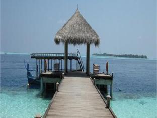 vilamendhoo island resort maldives - beach