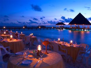 vilu reef beach spa resort maldives - beach dinner