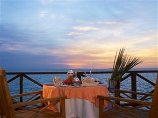vilu reef beach spa resort maldives - in villa dining