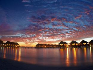 vilu reef beach spa resort maldives - watert villa exterior