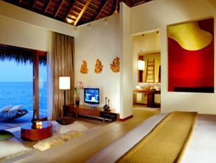 w retreat spa resort maldives - sea scape escape bedroom