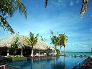 zitahli kudafunafaru resort maldives - pool area
