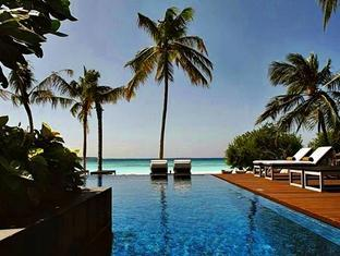 zitahli kudafunafaru resort maldives - swimming pool