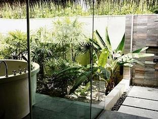 zitahli kudafunafaru resort maldives - zitahli suite out door bathroom